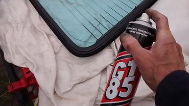 lubricating delta screen seal