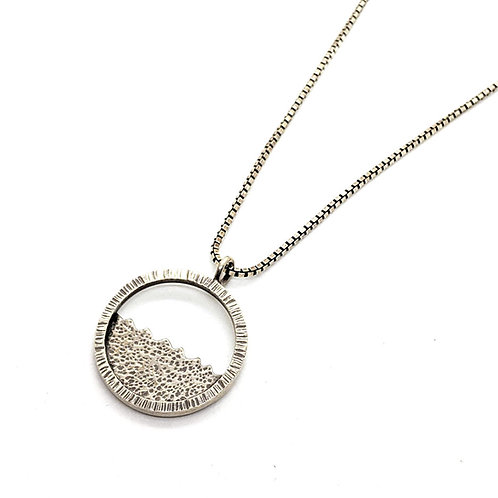 Deep Field Sterling Circle Necklace – Small