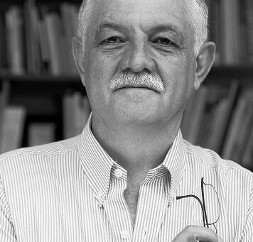 Miembro Emérito: Antonio Azuela De La Cueva