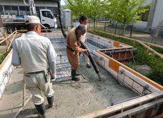 基礎コンクリート打設(ソーラーサーキットのお家)