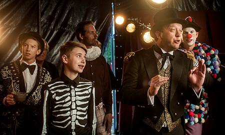 Goochelaar-rol in bioscoopfilm ''Circus Noël''.