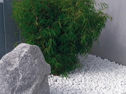 sablo-dco-galet-de-marbre-blanc-avec-deco-galet-jardin-1