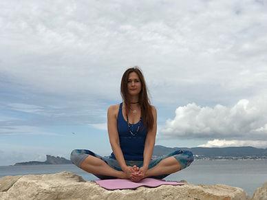 Pr. de yoga Ludmila Bojinskaya