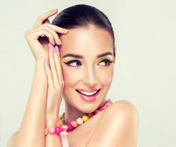 bigstock-Girl-model-with-bright-make-up-84515327