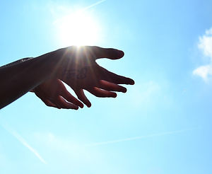 mains soleil Reiki.jpg