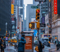 NYC in the rain. Such a crazy place._._.