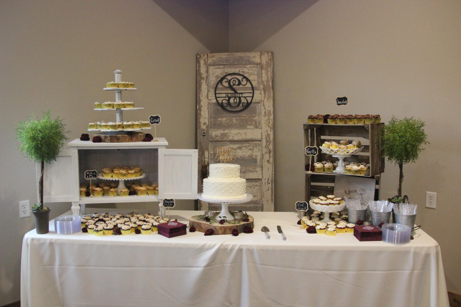 Cute Cake Table