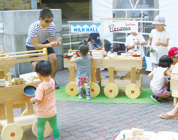 Children line up every year at Hokudai Marche