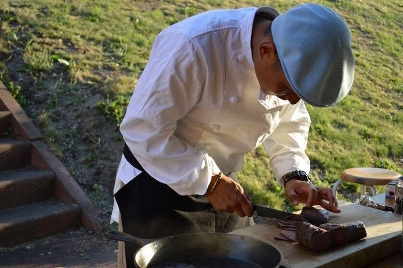 4 Mr. Junpei who cooks venison with the skill of a professional chef