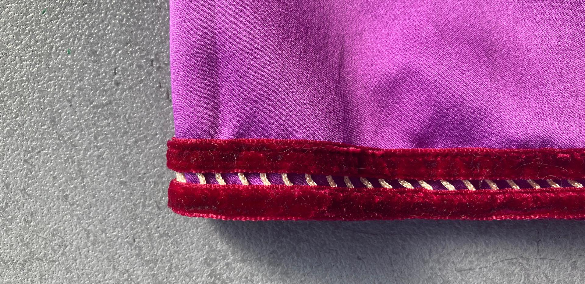 Aletta- hem detail
