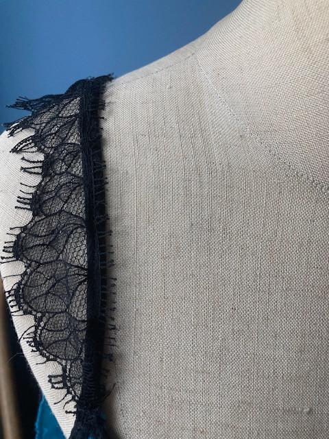 shoulder details