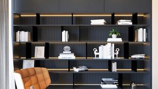 הדמיית פנים לספריה בסלון