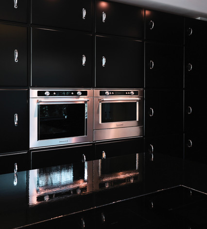 Cubex with integrated ovens