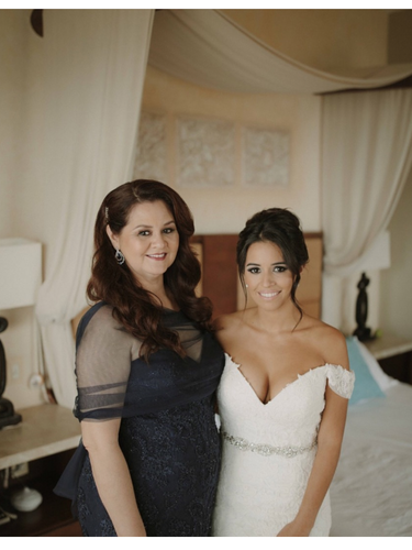 Mother and daughter moment before the ceremony