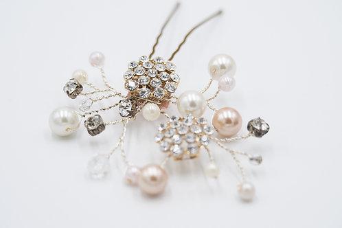 Layne Pearl cluster hair pin