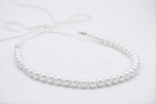 Lia White pearl and ribbon hair band.