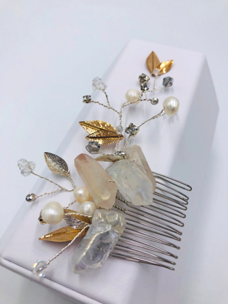 Crystal quartz and Pearl Hair comb