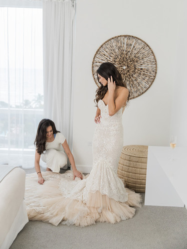 Loose waves on our Miami bride