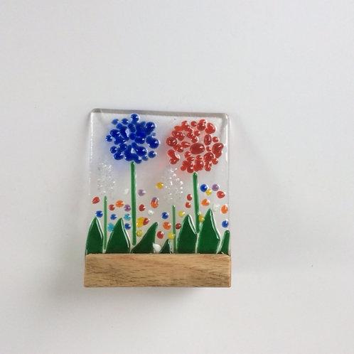 Fused glass small mounted garden scene, on oak base, 100 x 80mm