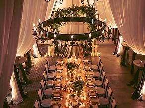 ヴィンテージ倉庫をリノベーションした結婚式場