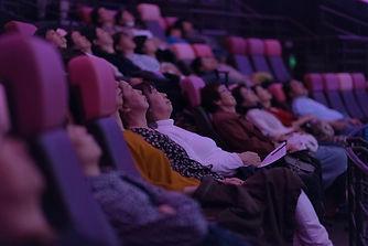 2018113 観客2.jpg