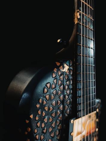 Honfleur semi hollow guitar neck connection