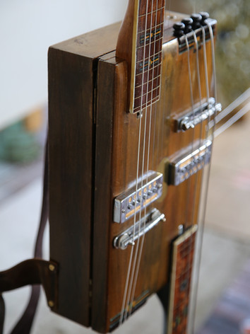 Westport hybrid guitar bass closeup