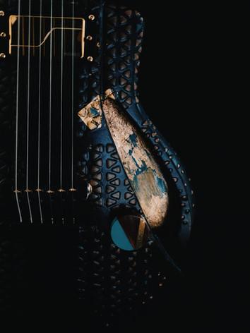 Honfleur semi hollow guitar knob close up