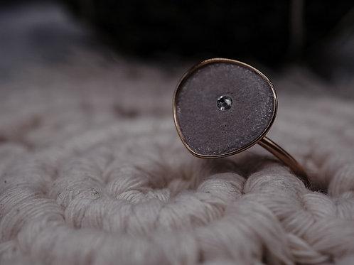 Ring in Tropfenform  inkl. Swarovski-Kristall