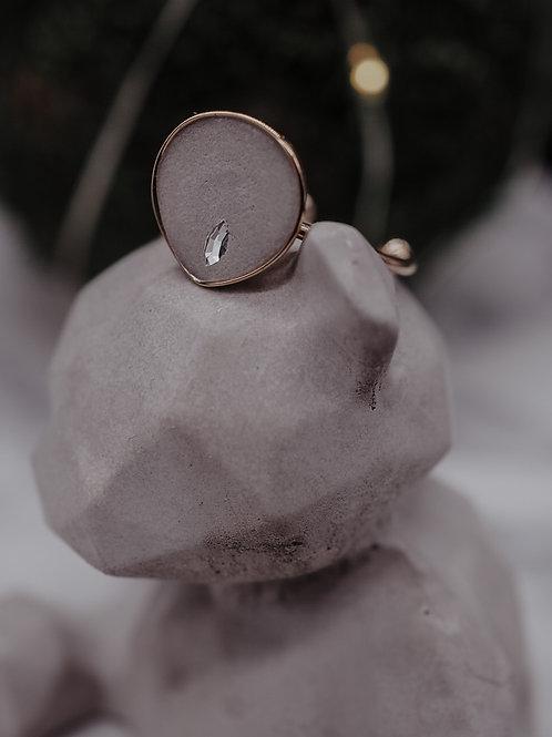 "Ring in Tropfenform  inkl. Swarovski-Kristall ""special"""
