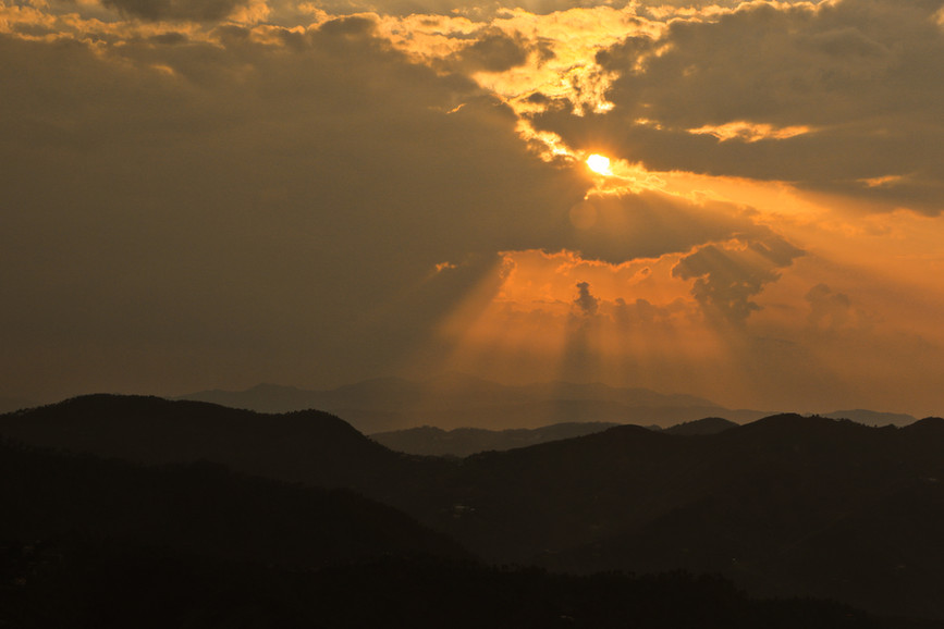 Gold spill over the ranges- Views from Turquoise