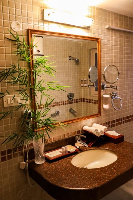 FUCHSIA Washroom