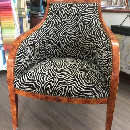 Rénovation de deux fauteuils bergère.