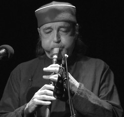 Didier Malherbe (Duduk+flutes)
