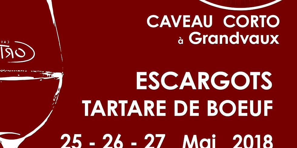 Festin et musique live au Caveau Corto!