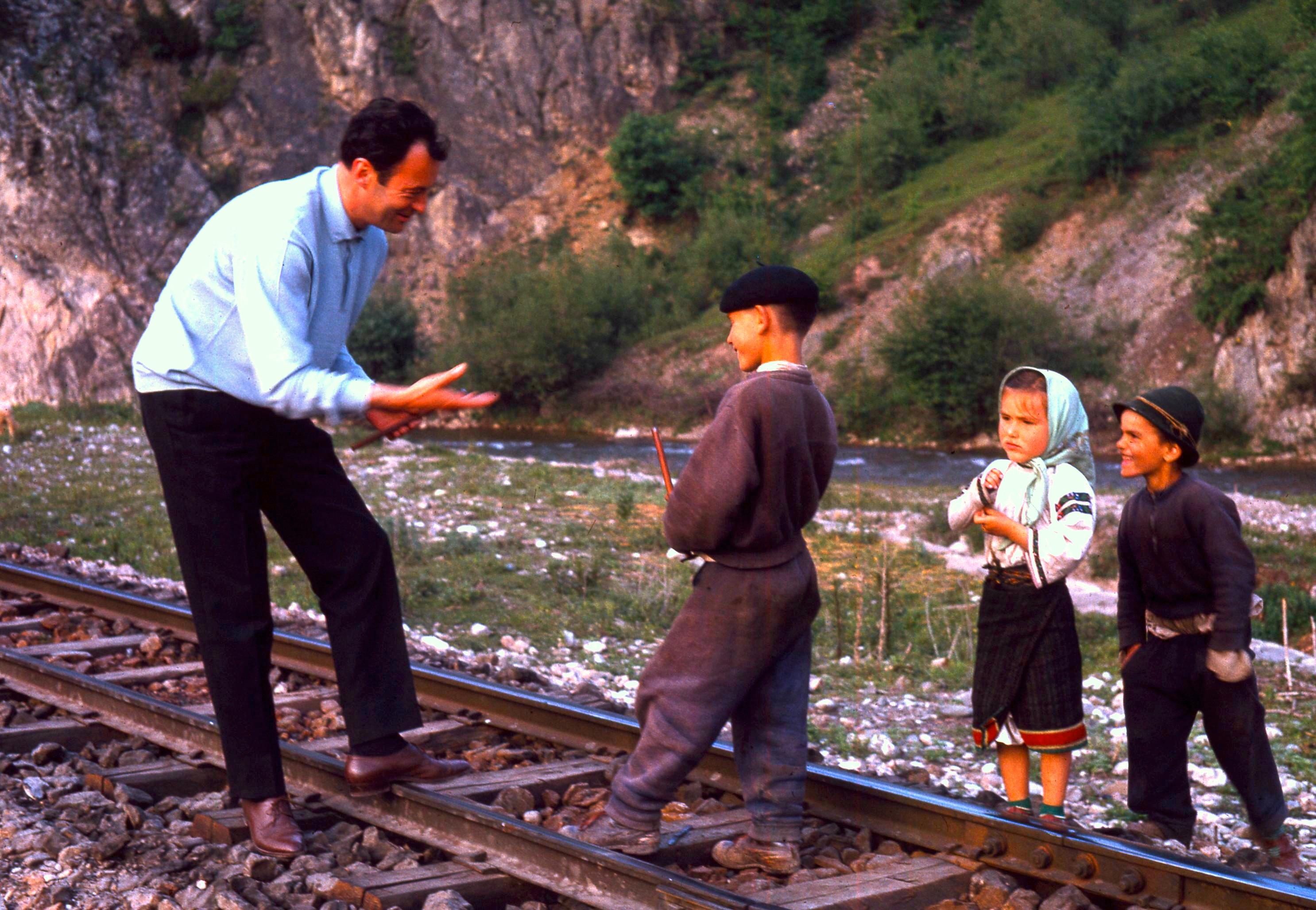 Marcel et des enfants