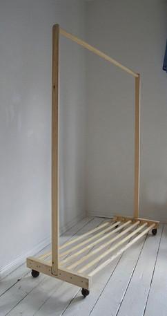 Portable dressing rail