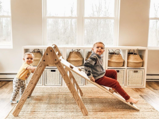 The Best 8 Toys to Keep your Munchkinz Entertained when going outside isn't an option.
