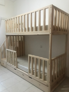 Bunk bed with pull out trundle draw and stair drawers