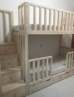 Bunk bed with pull out drawers