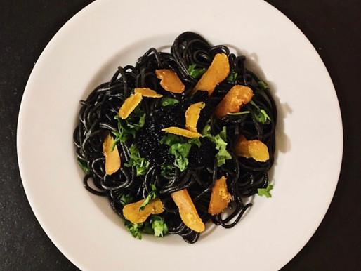 Spaghetti à l'encre de sèche et poutargue
