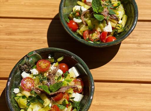 Salade de courgettes, tomates, anchois  & feta