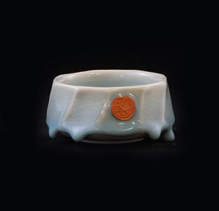 43) Bowl, porcelain clay, exterior/interior glossy/drippy Chun glaze