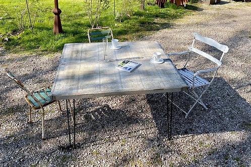 Table à manger carrée