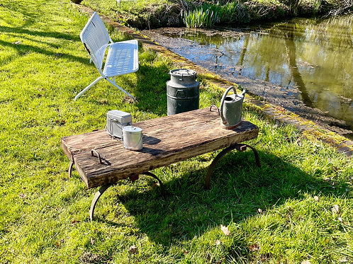 Table basse en bois, type industrielle