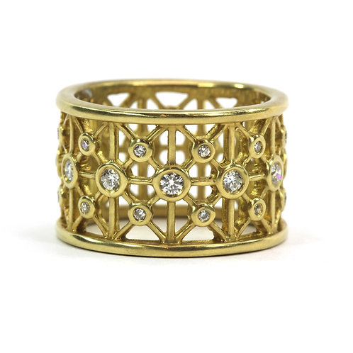 18k Complex Circle Ring with Diamonds