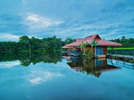 🇬🇧 How does Uakari Lodge float?