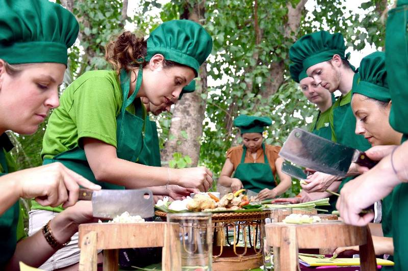 luang prabang, cooking class, laotian cuisine, lao cuisine cooking school, family activity in Laos, lao style cooking, how to make sticky rice