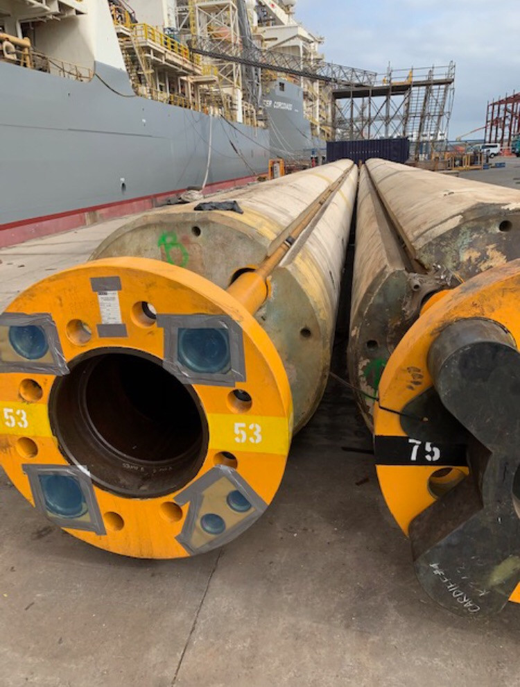 Protecting 40 feet long riser joints with crevices and holes using VpCI technology and experienced technicians