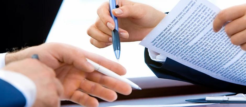 Contrato laboral en alemán y una traducción resumida